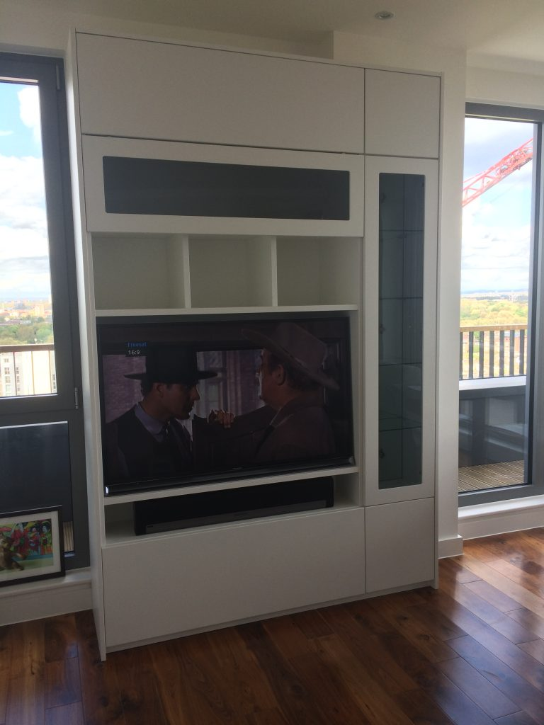 Display and TV stand in white