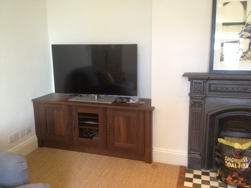 alcove fitted media cabinet