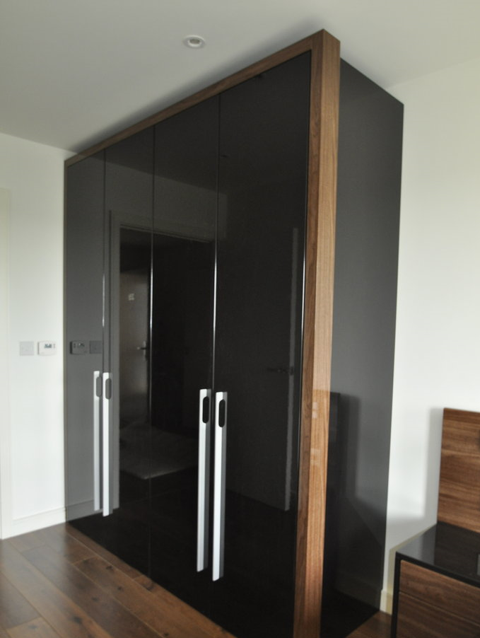 black gloss custom-made wardrobe