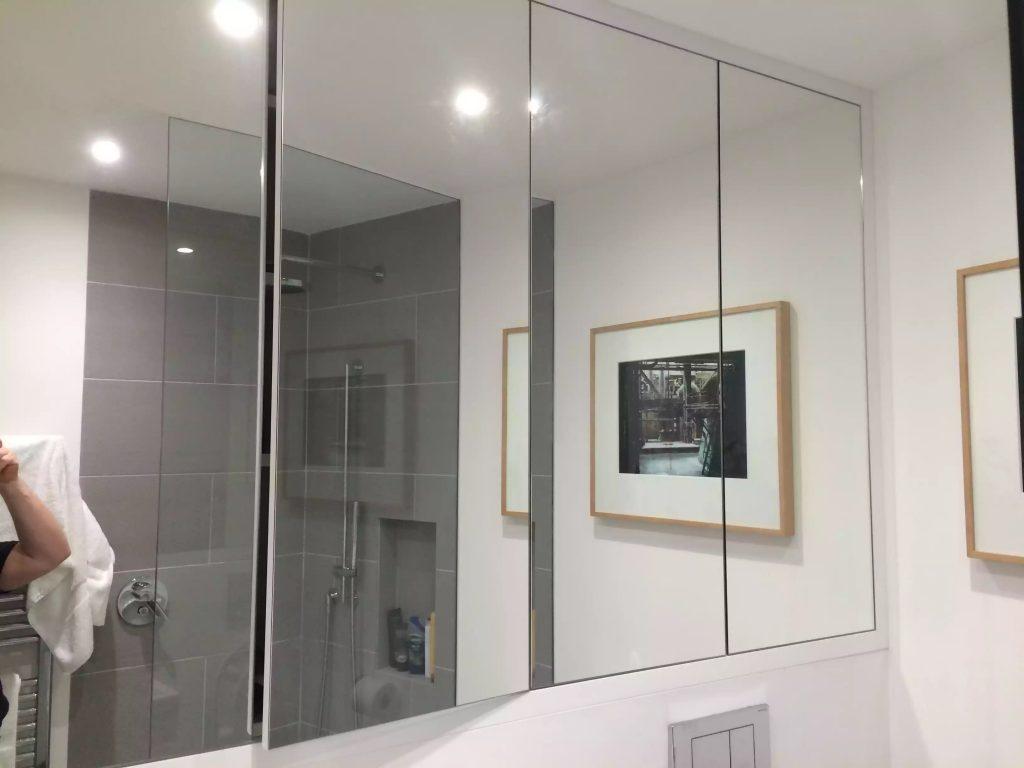 Bathroom mirrored unit