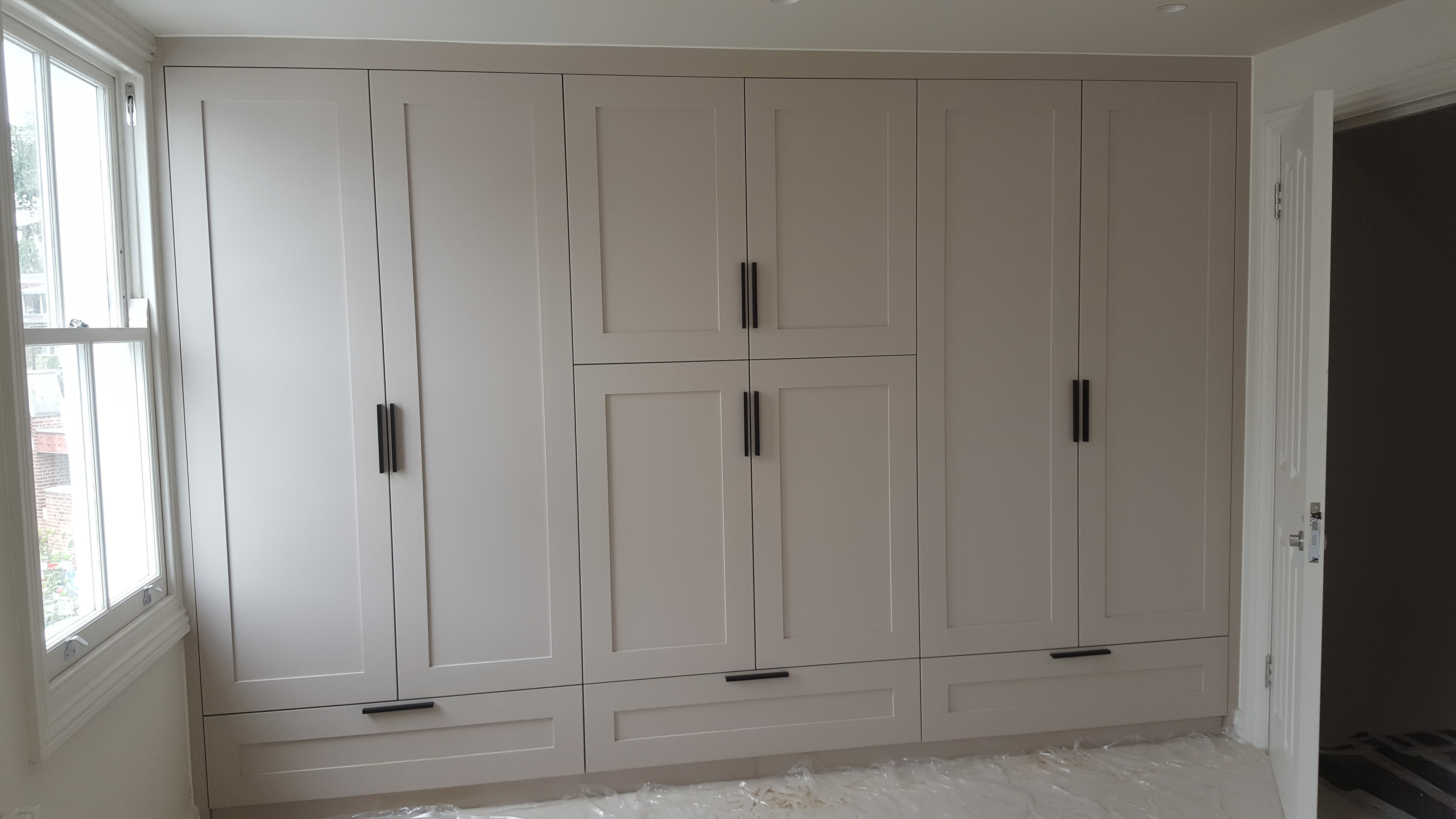 white shaker doors
