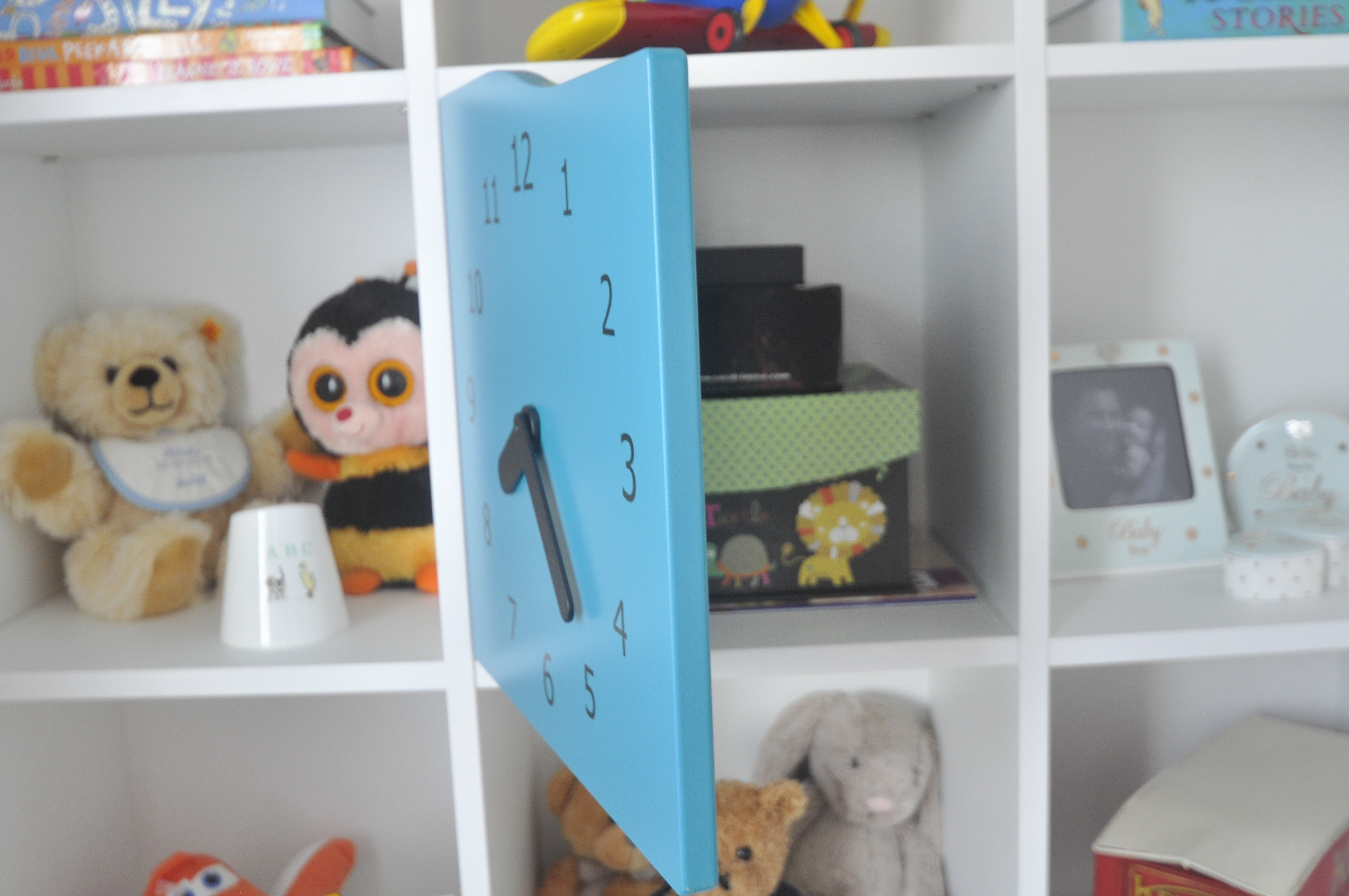 kids bookshelves