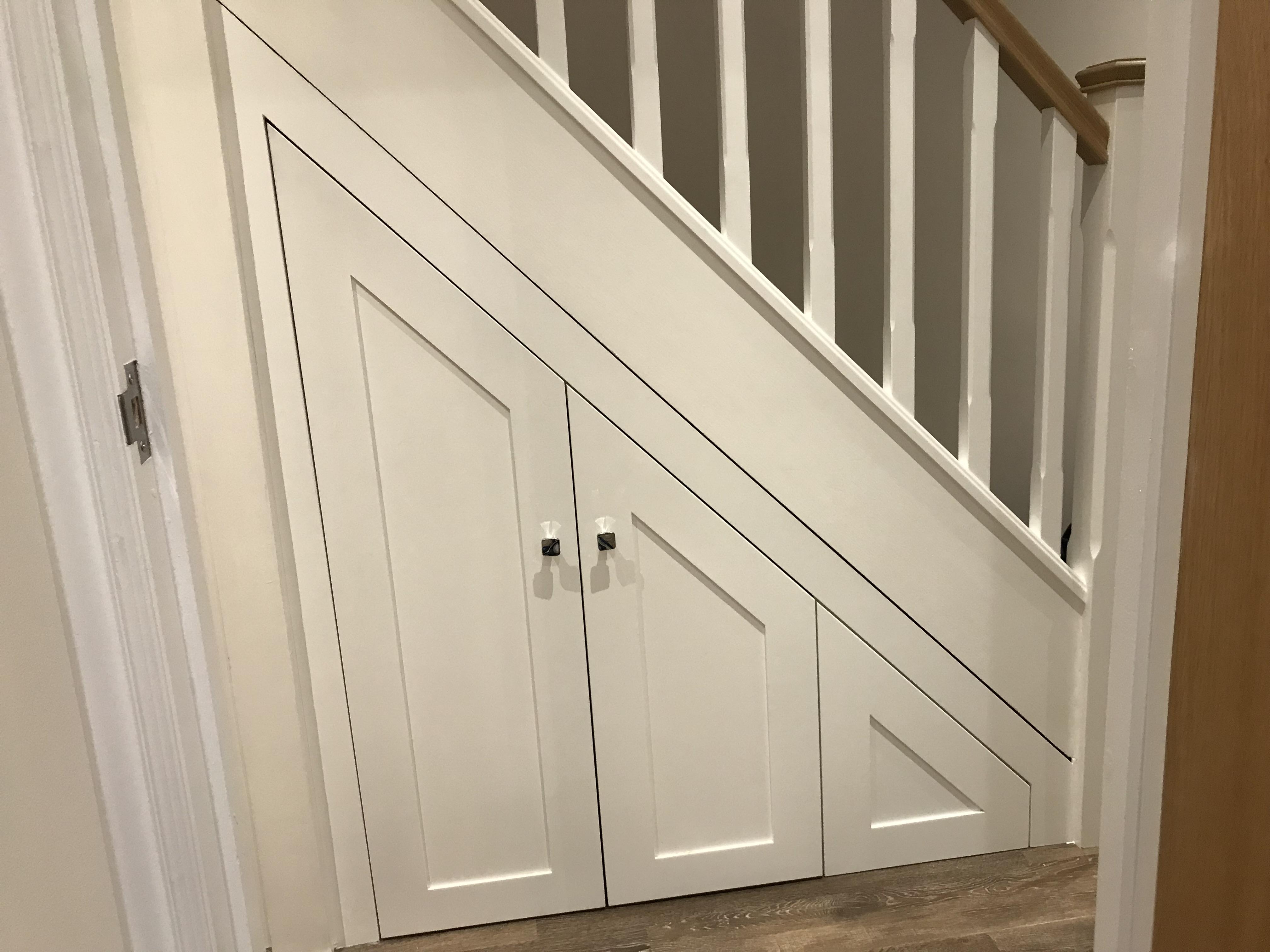 Shaker style doors for hallway units
